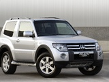 Photos of Mitsubishi Pajero 3-door AU-spec 2006–11