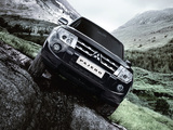 Photos of Mitsubishi Pajero 5-door 2011
