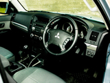 Photos of Mitsubishi Shogun 3-door Van 2006
