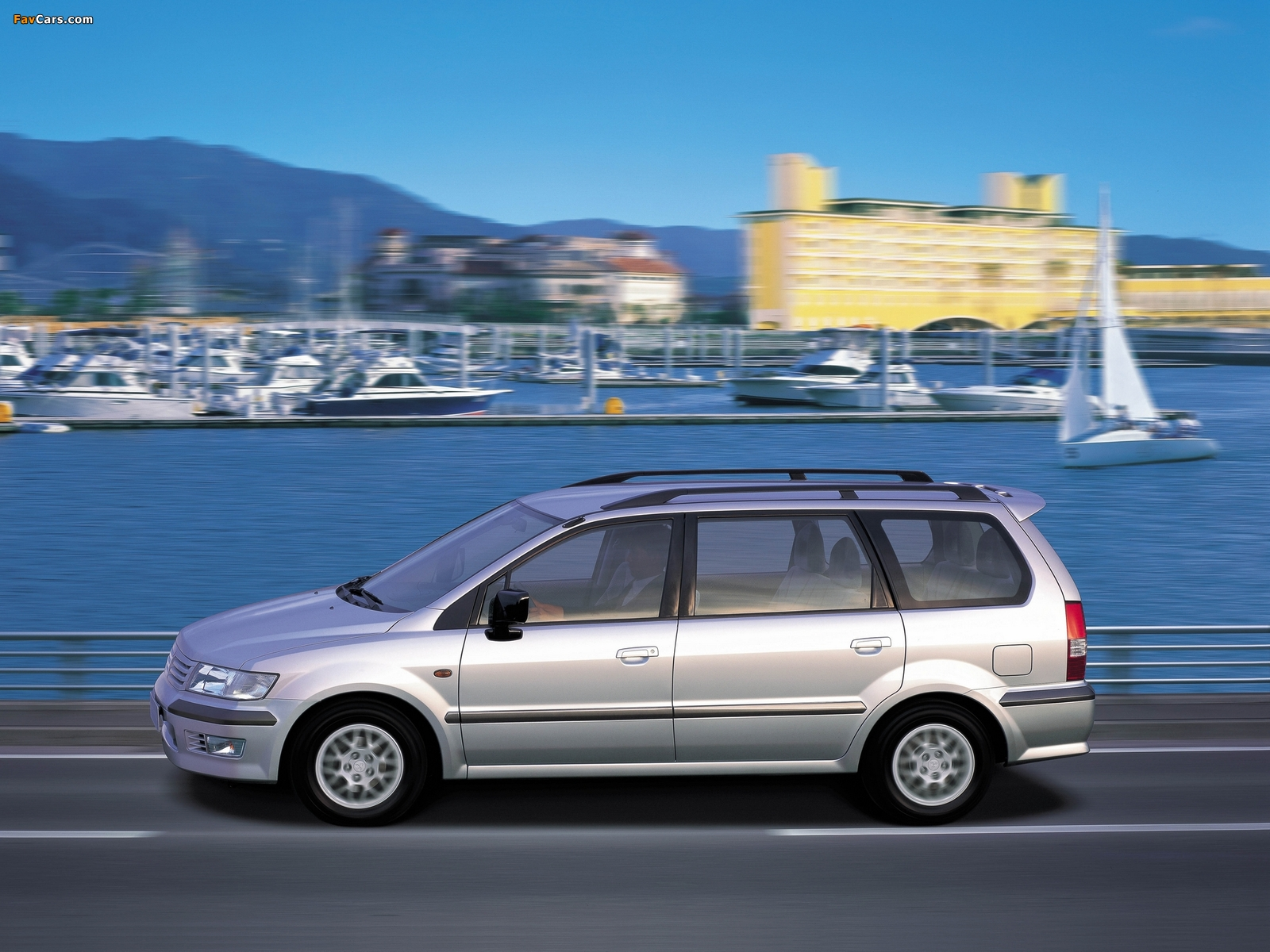 Mitsubishi Space Wagon 1997–2003 images (1600 x 1200)