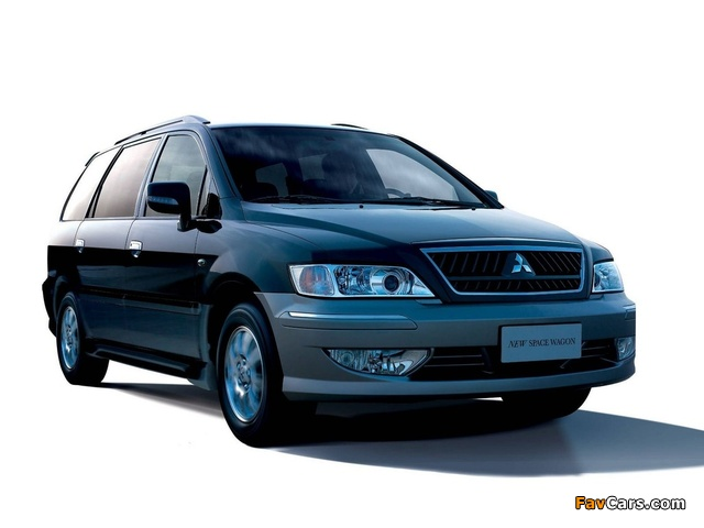 Mitsubishi Space Wagon CN-spec 2006 wallpapers (640 x 480)