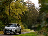 Pictures of Mitsubishi Outlander UK-spec 2015