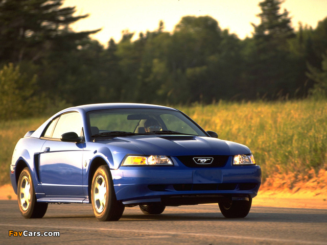 Images of Mustang GT Coupe 1998–2004 (640 x 480)