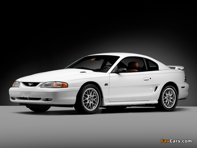 Mustang GT Coupe 1993–96 images (640 x 480)