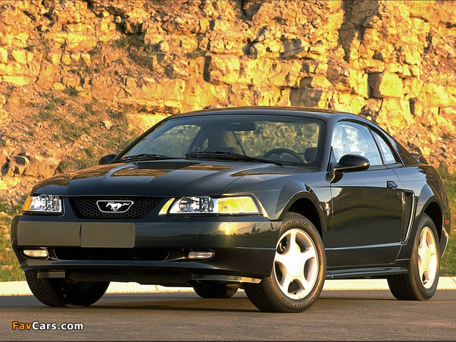 Mustang GT Coupe 1998–2004 pictures (640 x 480)