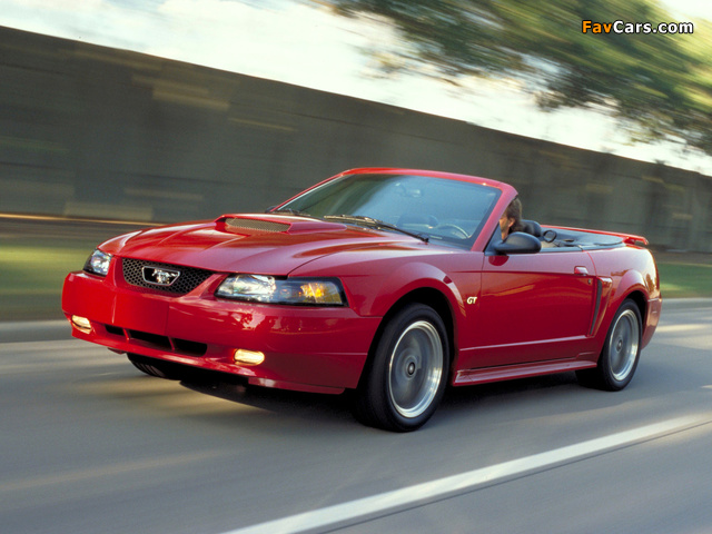 Photos of Mustang GT Convertible 1999–2004 (640 x 480)