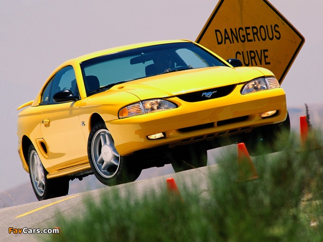Pictures of Mustang GT Coupe 1993–96 (640 x 480)