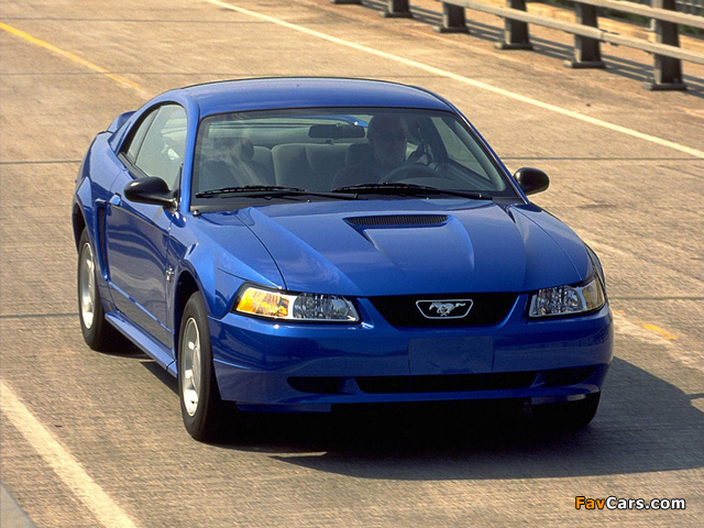 Pictures of Mustang GT Coupe 1998–2004 (640 x 480)