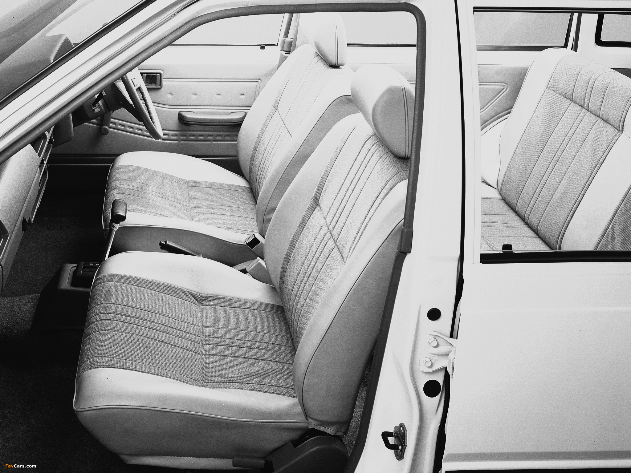 Photos of Nissan Sunny AD Van (VB11) 1985–90 (2048 x 1536)