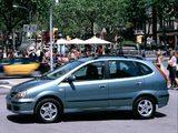 Nissan Almera Tino (V10) 2000–06 photos