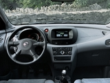 Pictures of Nissan Almera Tino (V10) 2000–06