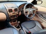 Nissan Almera 5-door UK-spec (N16) 2000–03 images
