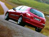 Nissan Almera 5-door UK-spec (N16) 2000–03 pictures