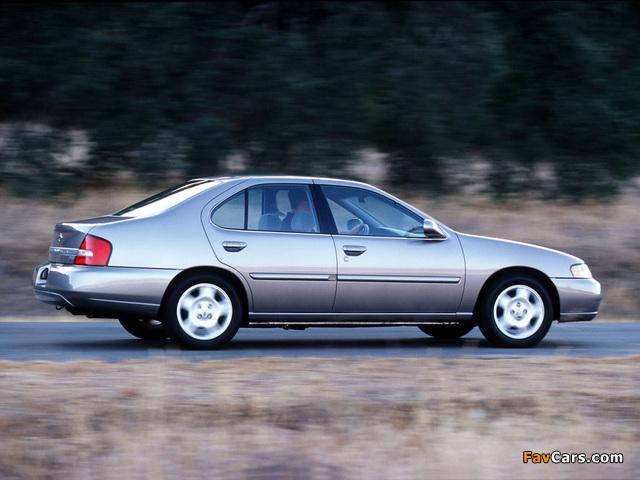 Photos of Nissan Altima 2001–02 (640 x 480)