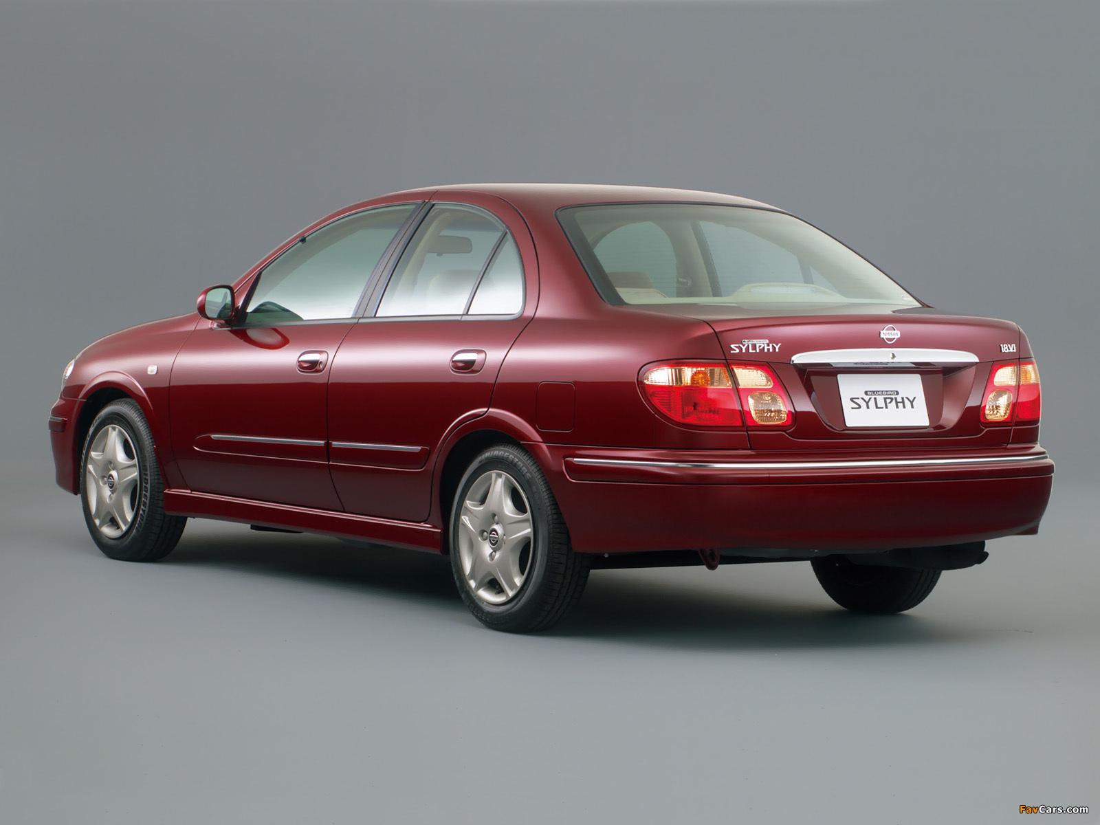Images of Nissan Bluebird Sylphy (G10) 2000–03 (1600 x 1200)