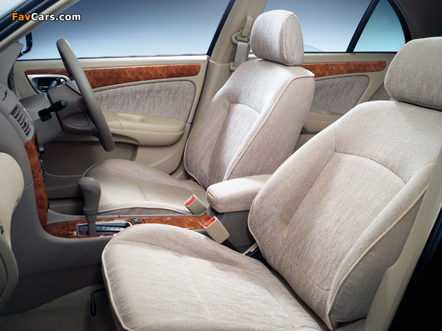 Pictures of Nissan Bluebird Sylphy (G10) 2000–03 (640 x 480)