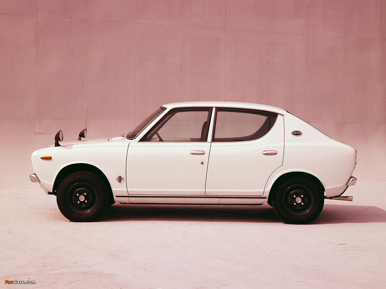 Pictures of Nissan Cherry X-1 4-door Sedan (E10) 1970–74 (1280 x 960)