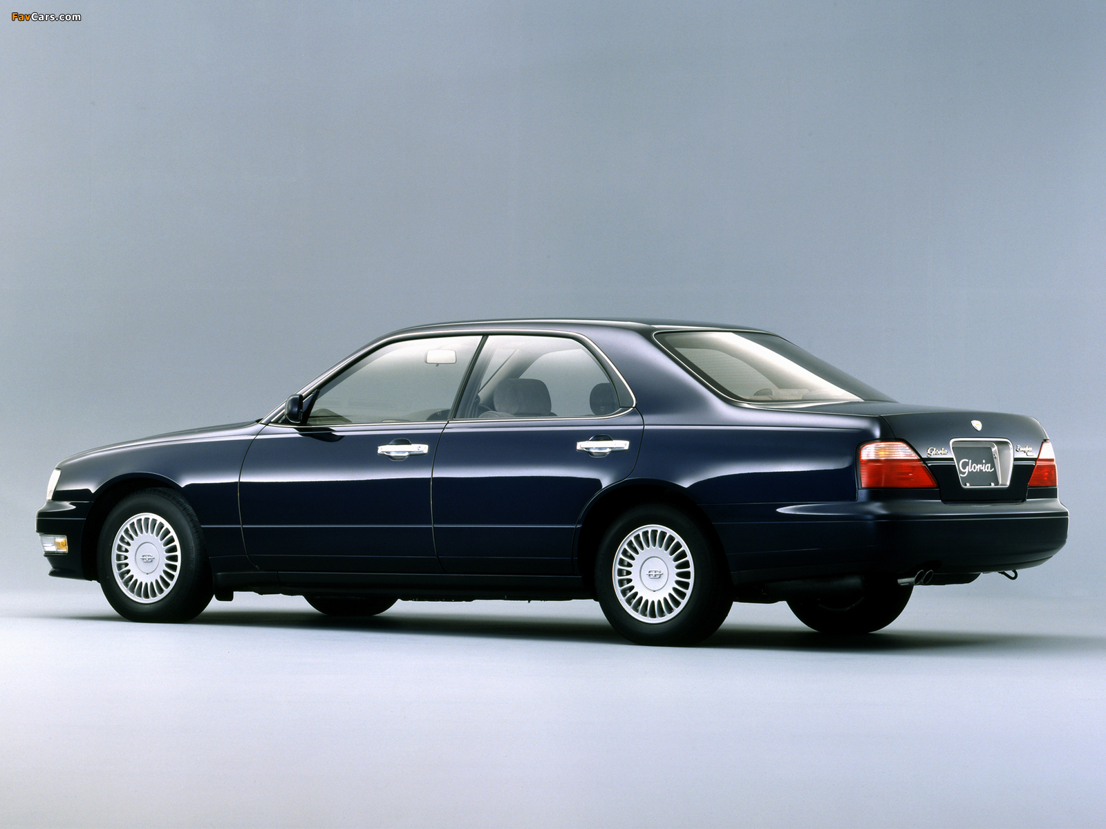 Images of Nissan Gloria Brougham (Y33) 1995–97 (1600 x 1200)