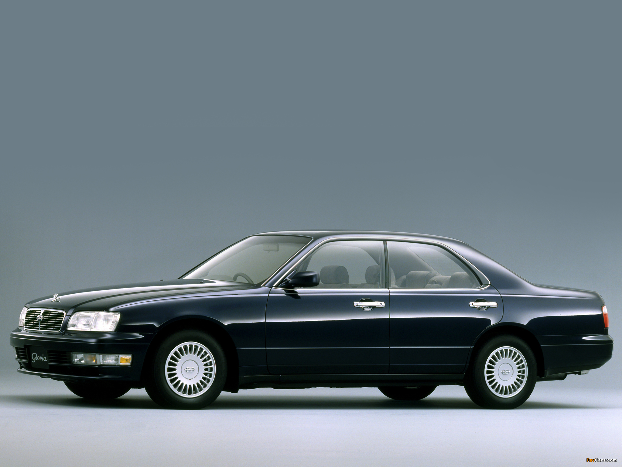 Images of Nissan Gloria Brougham (Y33) 1995–97 (2048 x 1536)