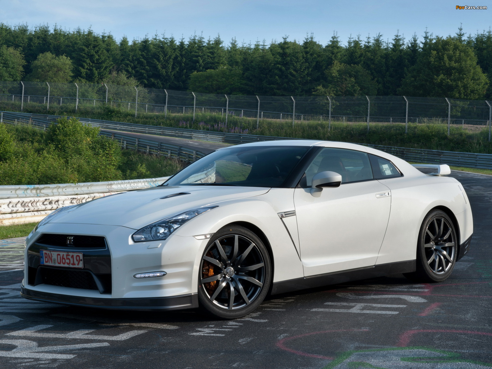 Pictures Of Nissan Gt R Black Edition R35 2010 1600x1200