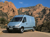 Images of Nissan Interstar High Roof Van 2001–03