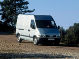 Nissan Interstar High Roof Van 2001–03 photos