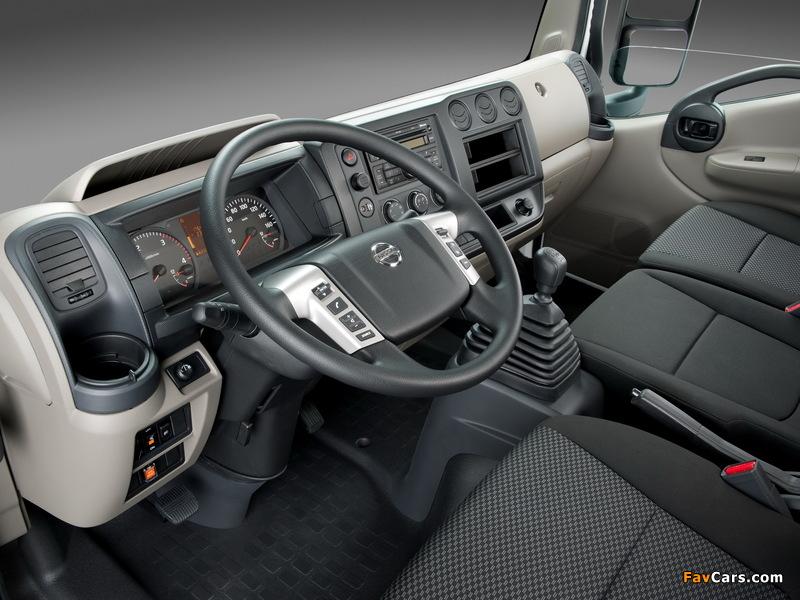 Nissan NT500 2013 photos (800 x 600)