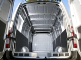 Photos of Nissan NV400 High Roof Van UK-spec 2010