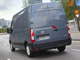 Pictures of Nissan NV400 High Roof Van 2010