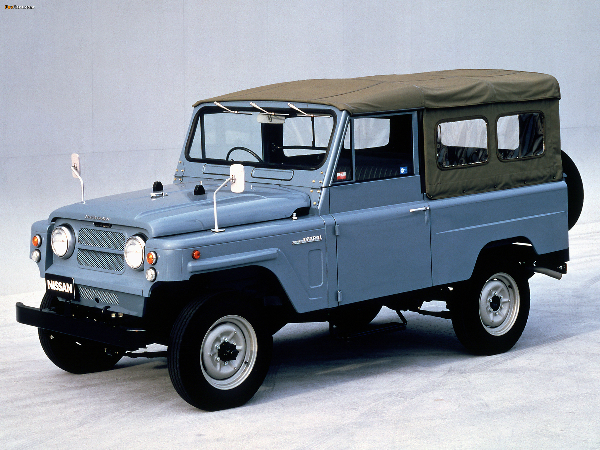 Pictures of Nissan Patrol LWB Soft Top (G60) 1960–84 ...