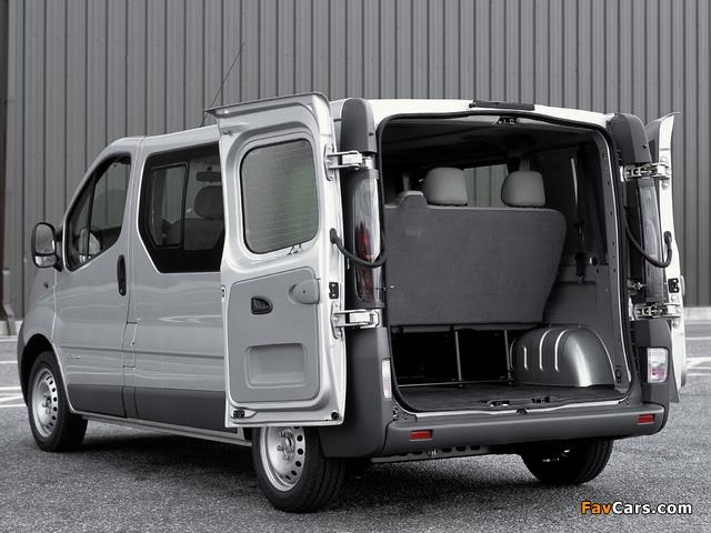 Nissan Primastar Van 2002–06 photos (640 x 480)