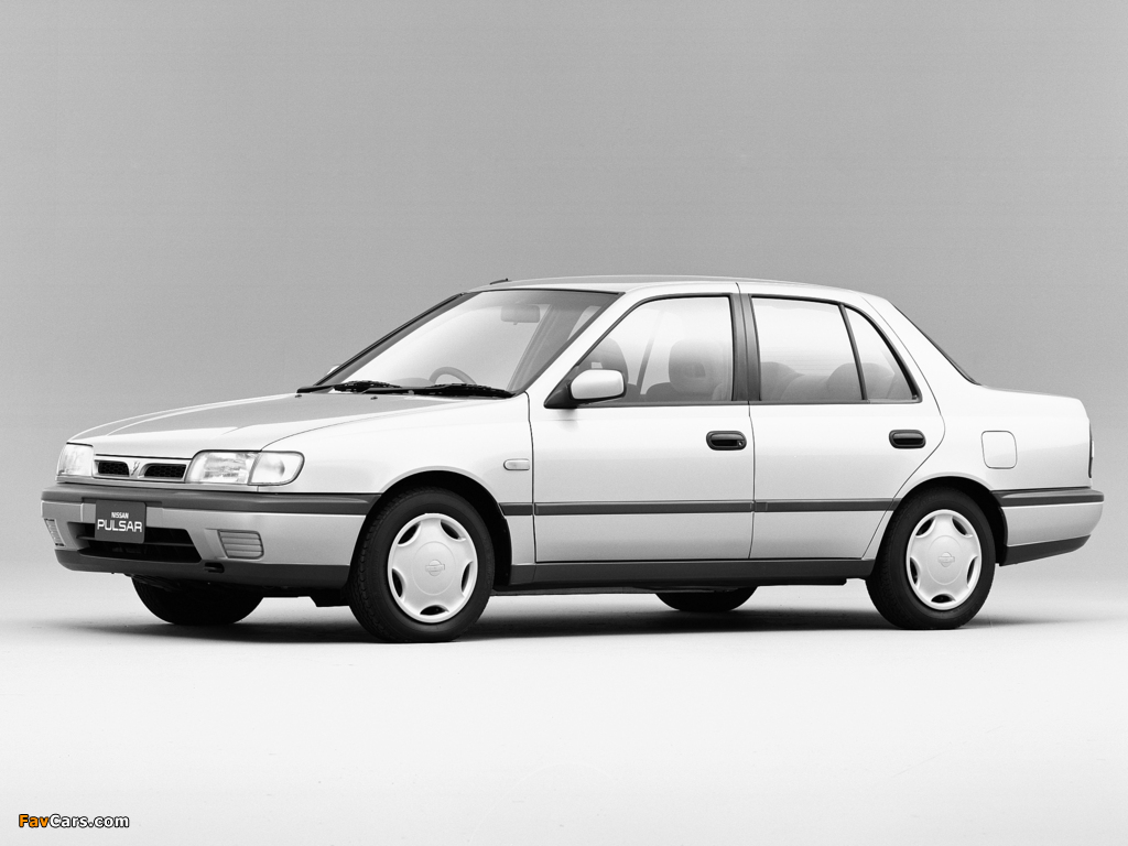 Photos of Nissan Pulsar Sedan (N14) 1990–95 (1024 x 768)