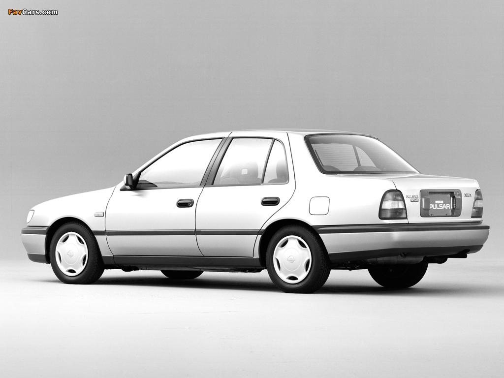 Pictures of Nissan Pulsar Sedan (N14) 1990–95 (1024 x 768)