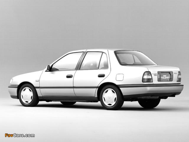 Pictures of Nissan Pulsar Sedan (N14) 1990–95 (640 x 480)