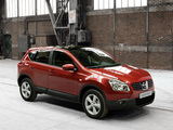Images of Nissan Qashqai 4WD 2007–09