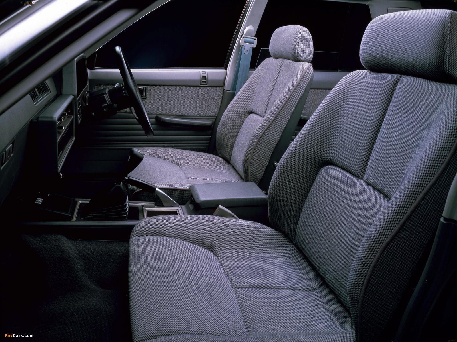 Nissan Skyline 2000 Turbo RS Sedan (DR30JFT) 1983 photos (1600 x 1200)