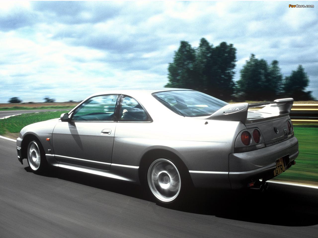 Nissan Skyline GT-R V-spec (BCNR33) 1995–98 pictures (1280 x 960)