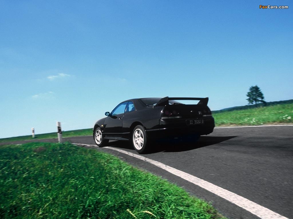 Nissan Skyline GT-R V-spec (BCNR33) 1995–98 pictures (1024 x 768)