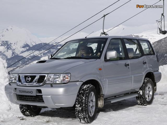 Pictures of Nissan Terrano II 5-door (R20) 1999–2006 (640 x 480)
