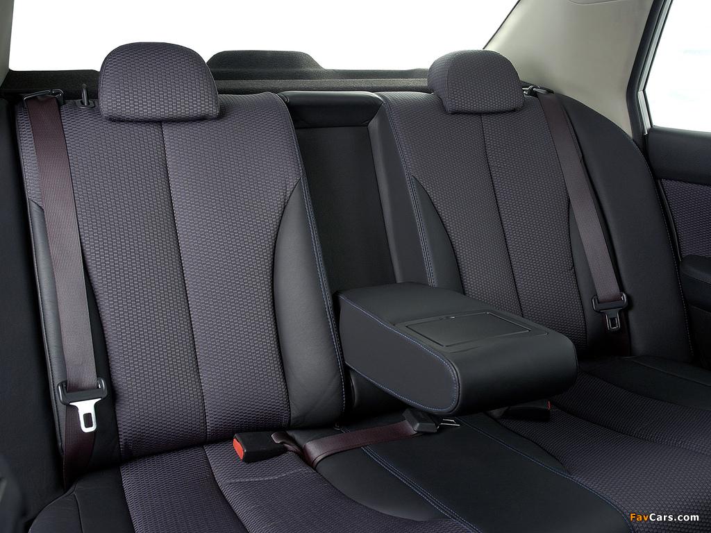 Nissan Tiida Hatchback ZA-spec (C11) 2004–08 photos (1024 x 768)