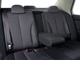 Nissan Tiida Hatchback ZA-spec (C11) 2004–08 photos