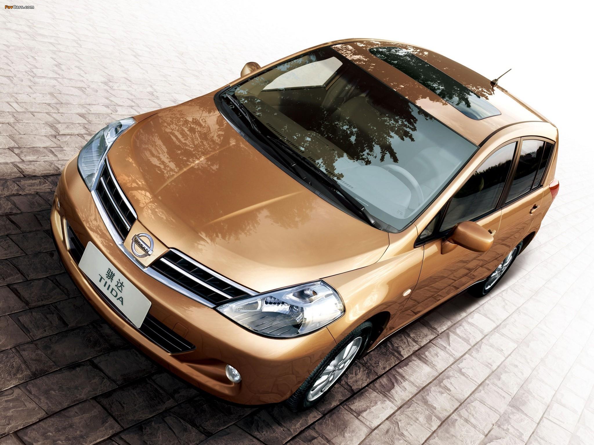 Nissan Tiida Hatchback CN-spec (C11) 2005–08 pictures (2048 x 1536)