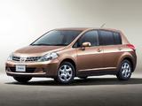 Nissan Tiida Hatchback JP-spec (C11) 2008–12 images