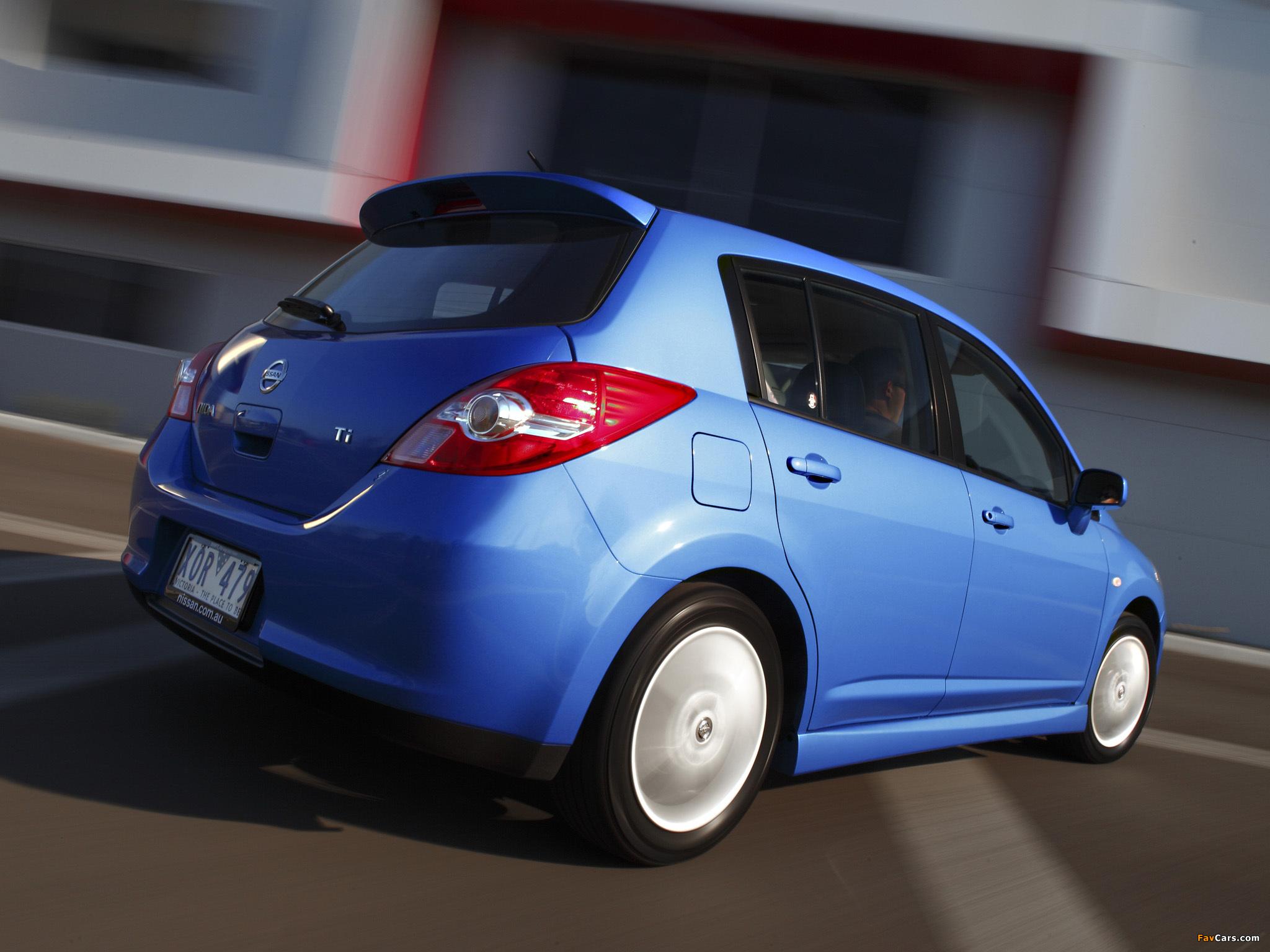 Nissan Tiida Hatchback AU-spec (C11) 2010 photos (2048 x 1536)