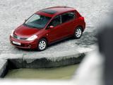 Pictures of Nissan Tiida Hatchback (C11) 2007–10