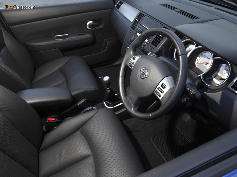 Pictures of Nissan Tiida Hatchback AU-spec (C11) 2010 (800 x 600)