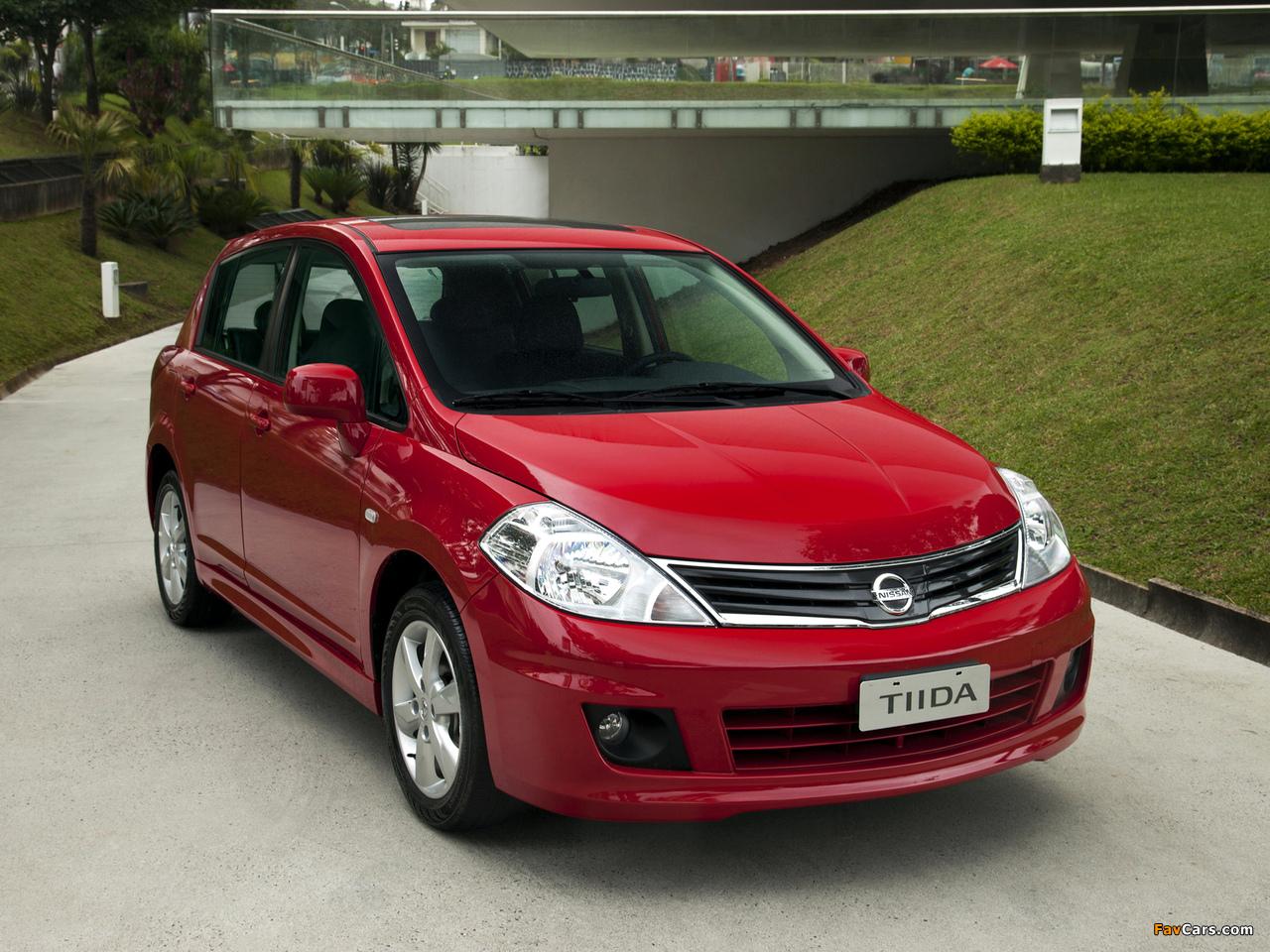 Pictures of Nissan Tiida Hatchback BR-spec (C11) 2010 (1280 x 960)