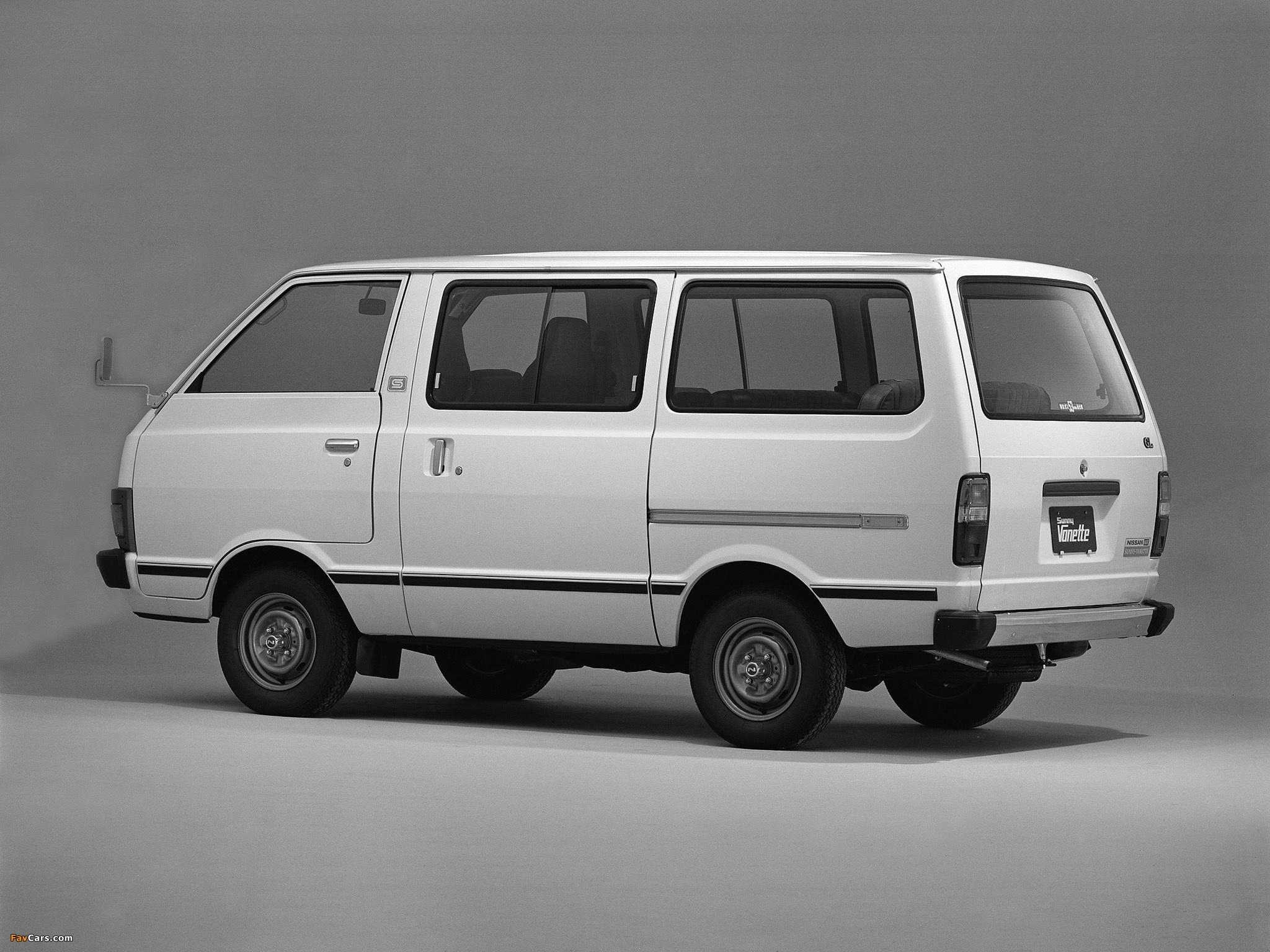 Photos of Nissan Sunny Vanette Coach (C120) 1978–85 (2048 x 1536)