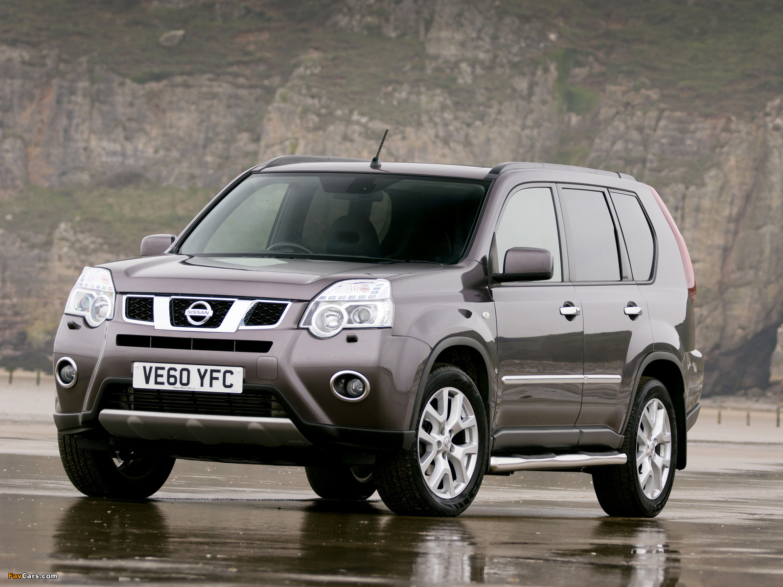 Nissan X-Trail Platinum Edition UK-spec (T31) 2011–12 wallpapers (1600 x 1200)