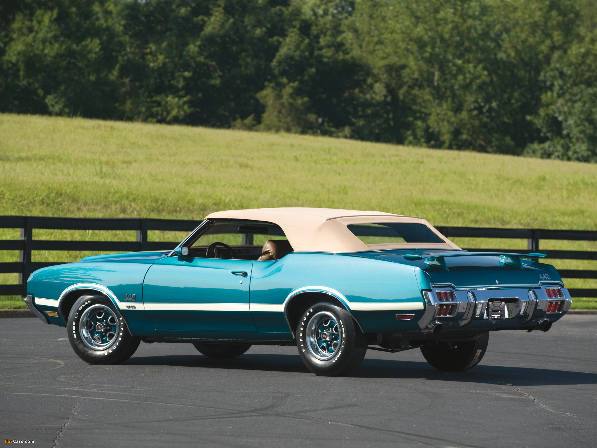 Images of Oldsmobile Cutlass 442 W-30 Convertible 1972 (2048 x 1536)